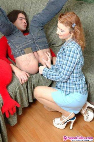 Девка жёстко трахнула своего парня страпоном