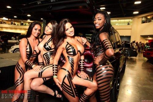 Подбрка ценителей секса в авто и тюнинга спортивных девочек